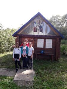 Уборка территории у святого источника в честь св. Николая Чудотворца
