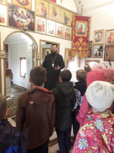 Встреча священника Сергия Белякова с учениками средней общеобразовательной школы ФМБОУ №2 с. Вирга