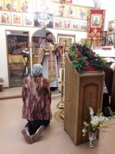 Празднования Происхождения (изнесения) Честных Древ Животворящего Креста Господня